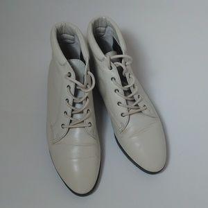 Danexx Vintage Austin Ankle Boots